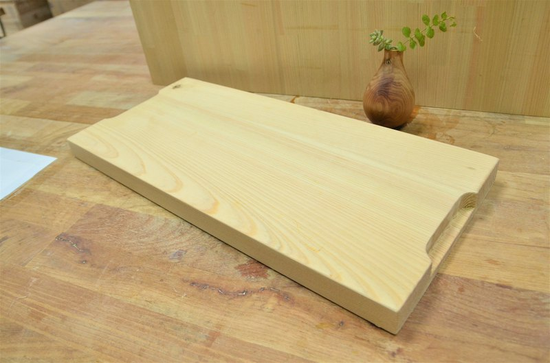 Wooden Tray just being a plate after cutting