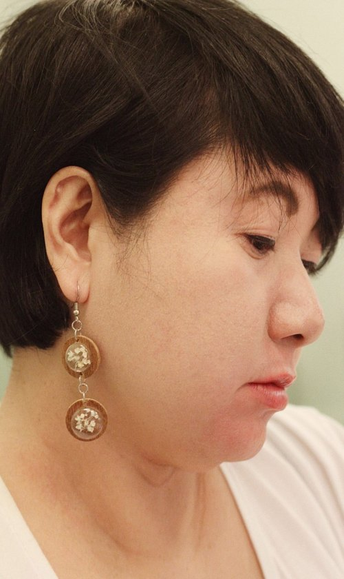 Wood earring ( Gypsophila Flowers )