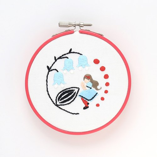 Thumbelina -Embroidery Hoop Kit