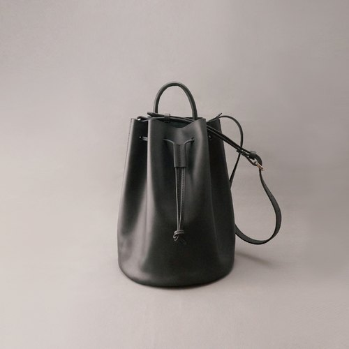 Bert Burt leather bucket bag side beam bag / black vegetable tanned leather / hand bag