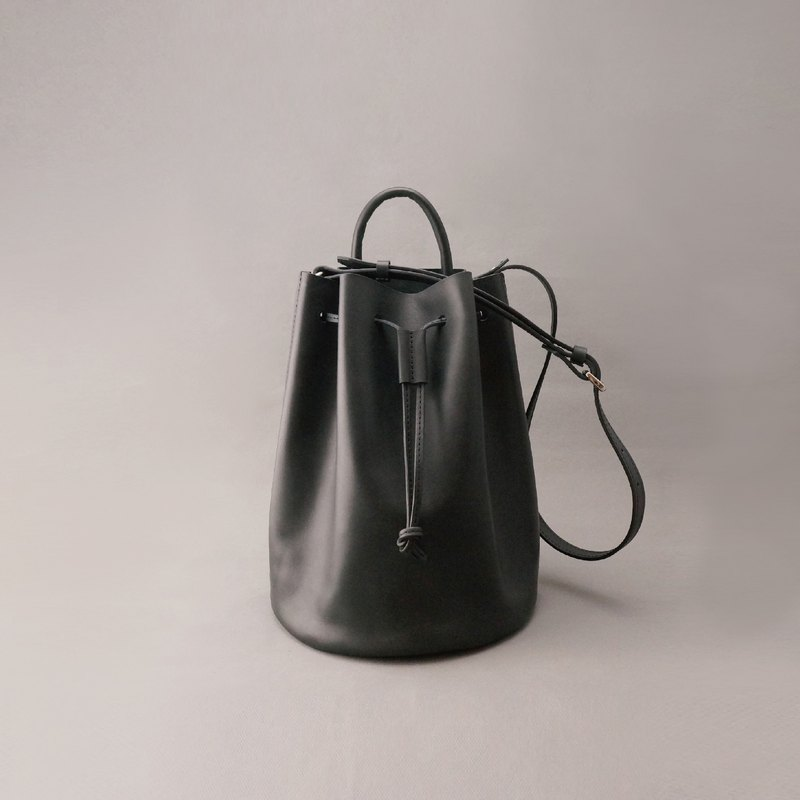 Bert Burt leather bucket bag side back bundle bag / black vegetable tanned leather / handmade bag