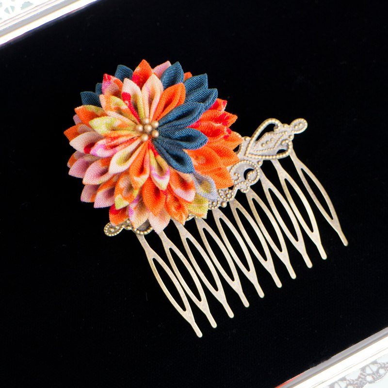 Dusk-shaped antique comb knobs Kanzashi