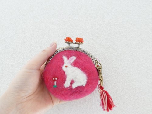 Wool felt gypsy rabbit flower mouth red