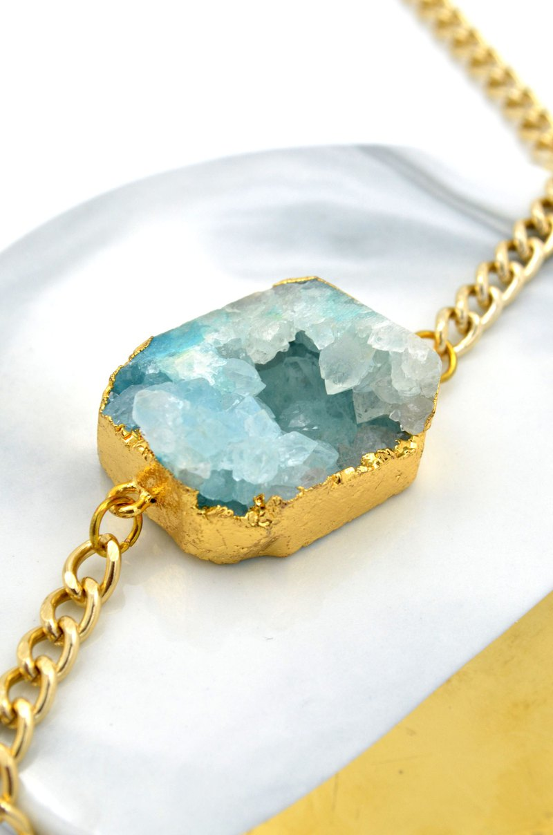 All natural cut about 4cm dyed crystal original stone necklace necklace aluminum chain