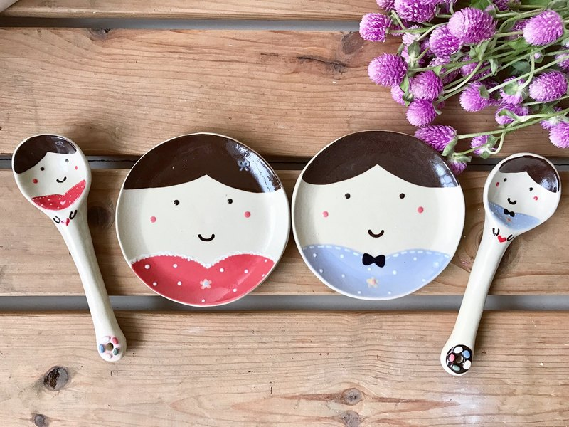 Copy small sweet couple spoon plate group (plus the name paragraph)