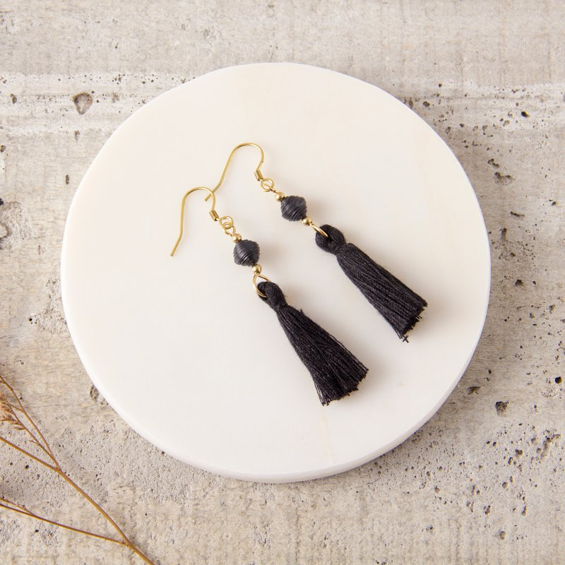 National wind fringe earrings - pure black