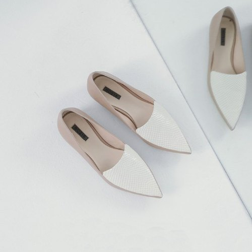 Neatly double leather stitching tip leather flat shoes apricot white
