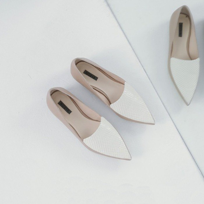 Fallen double leather stitching pointed leather flat shoes apricot white