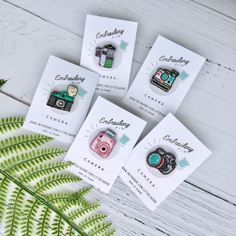 Littdlework embroidered small badge - Camera Series Set (a set of 5)