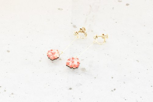 Small hydrangea swing earrings / RED