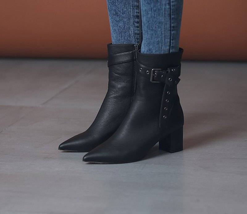 Broadband sense of discount decorative thick leather with black boots