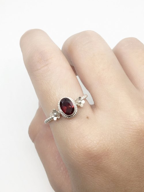 Garnet 925 sterling silver flower ring Nepal handmade mosaic production