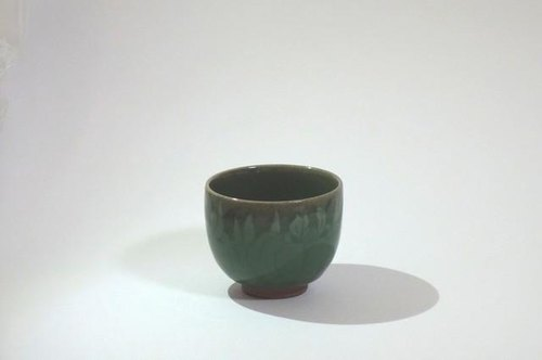 Cups (celadon inlay iris)