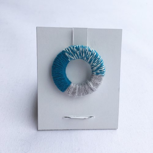 [Recycled cotton] tone brooch