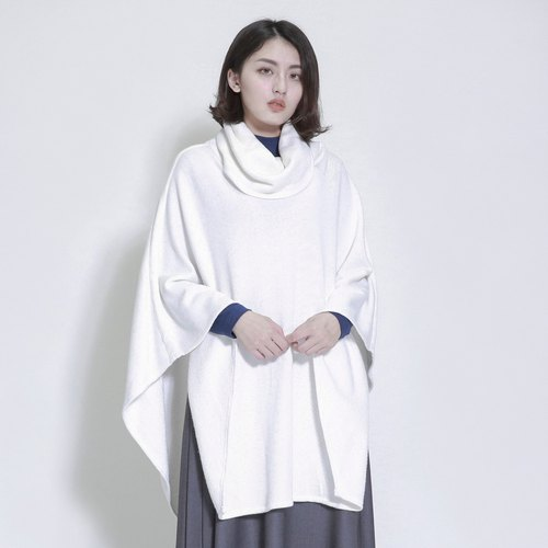 Dissociate Free High Neck Cloak _7AF031_White