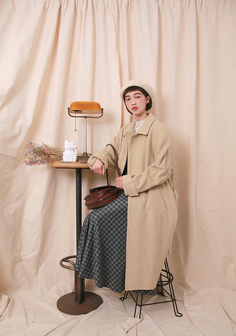 Back to Green:: 羊毛大衣 奶油餅乾色  vintage overcoat