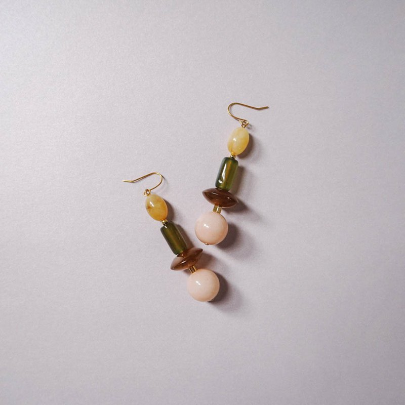 Japanese designer Iria Ashimine co-beaded earrings 05
