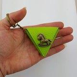 小木馬三角形零錢包袋,吉他pick袋 鑰匙扣 包掛飾 小禮物 可印名字