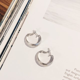 Hand-feeling matte texture moon-shaped ring - fog silver earrings earrings (pair) [changeable ear clip]