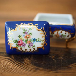 British mini porcelain jewelry box blue rectangular C section