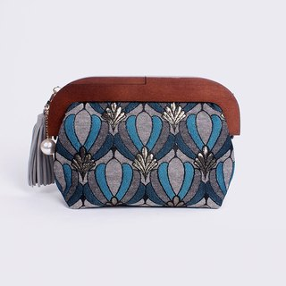 Queen Blue Frame Clutch Pouch