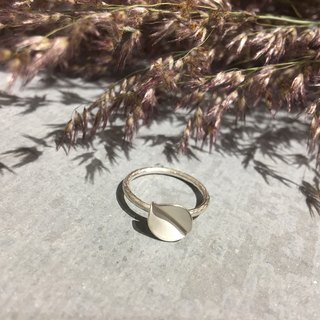 Sterling silver single ring ring