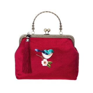 On the new first 50% off) mouth gold package cheongsam bag Messenger bag embroidered bird iphone phone bag mobile phone bag oblique bag bag bag birthday gift square red