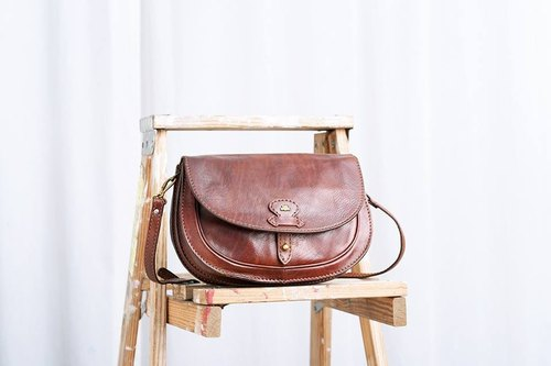 """THE BIDRGE Antique Shoulder Bag"" VBN 14"