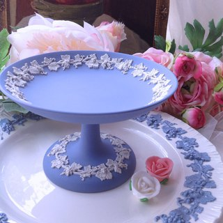 British bone china Wedgwood jasper blue jasper embossed vine high snack tray, cake plate