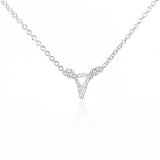 V. / Silver Necklace