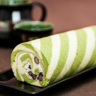 Japanese Matcha Red Bean Cake Roll