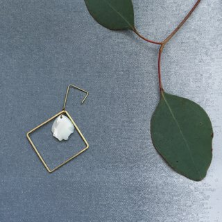 petal / square earrings with white shells