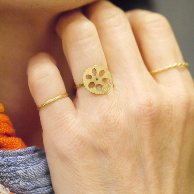蓮藕的蓮藕環材料的黃銅