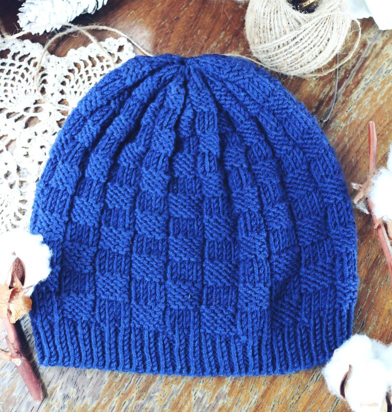 Handmade - small square - woolen cap [no itch series]