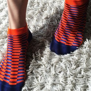 socks_orange_illusion / orange / socks /