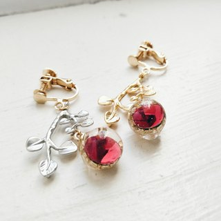 Momolico earrings too beautiful fruit toxic (can be folder type)