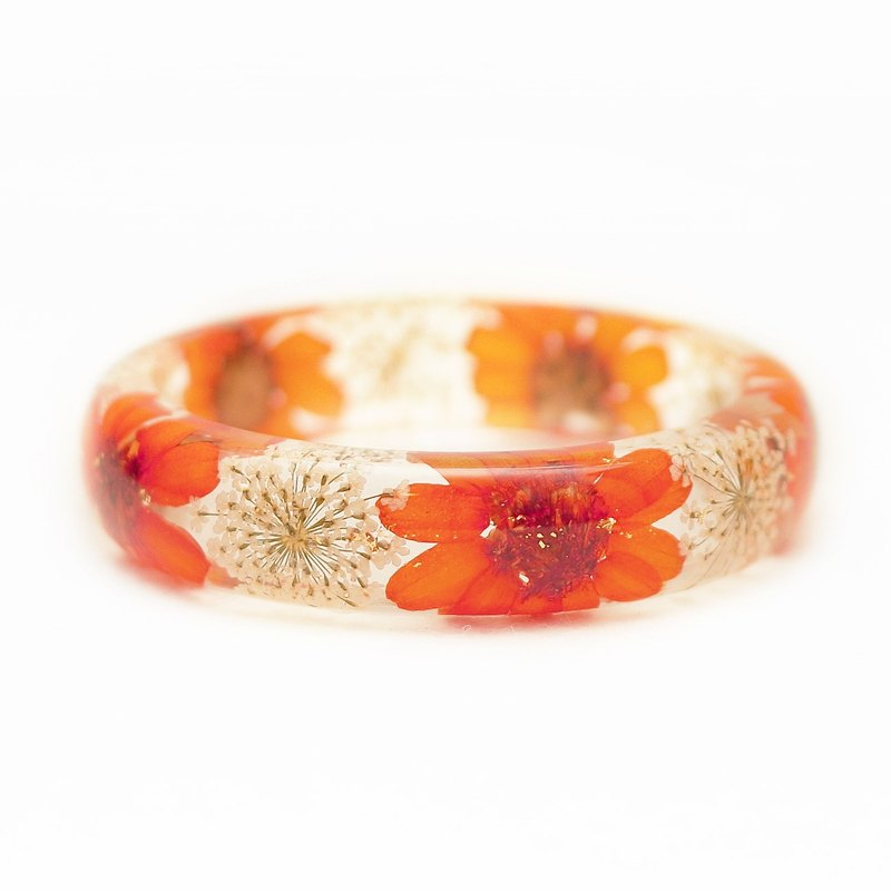 FlowerSays / Chrysanthemum Real Flower Bracelet / OrangeCollection / Eternal Flo