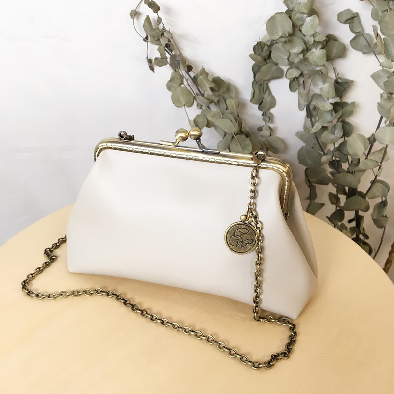 Urban Tourism Waterproof leather chain bag -  Fog