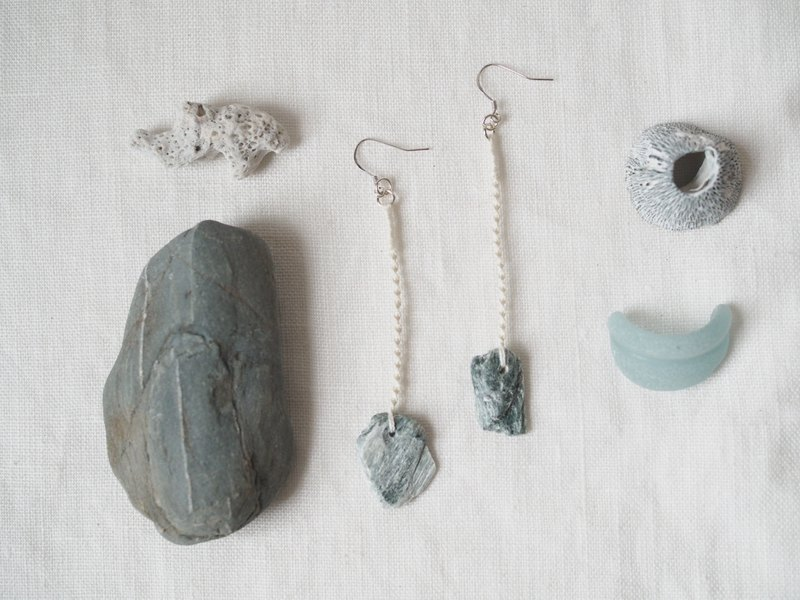 [ Soft stone × knot rope braided earrings series] rock