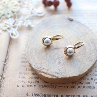Snow-Pearl brass earrings