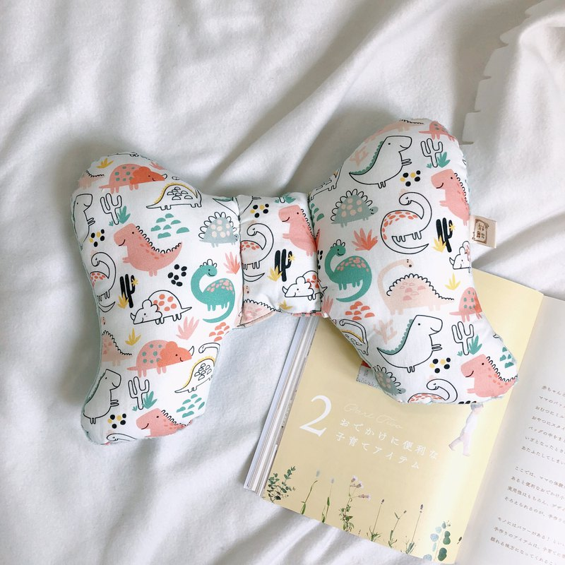Color dinosaur handmade baby soothing peas butterfly pillow neck pillow Mi Yue gift box