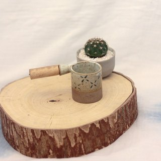 3.2.6. studio: Handmade ceramic tree bowl with wooden handle