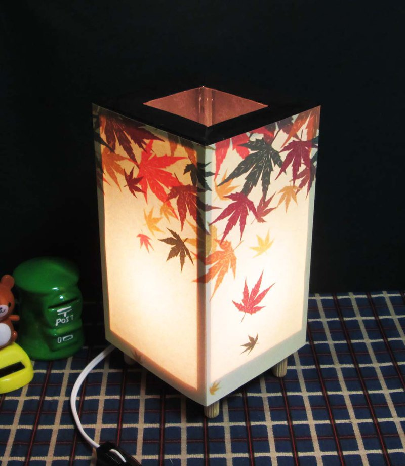 Bean-shaped, dream-lighting maple leaves when the rain The taste of the decoration light stand !!