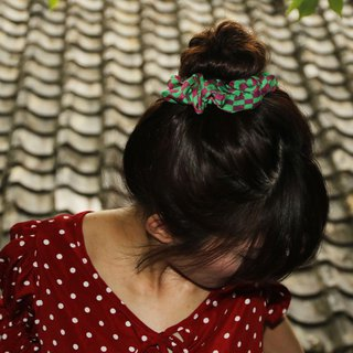 """Guattari"" psychedelic green peach red chiffon printed pure silk elastic hair ring"
