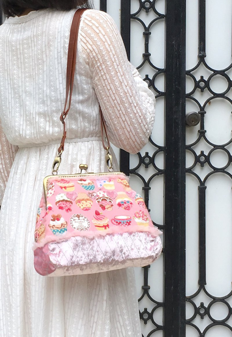 Cupcake Quilted Velvet shoulder/crossbody bag with zipper Lolita Style Pink Cute