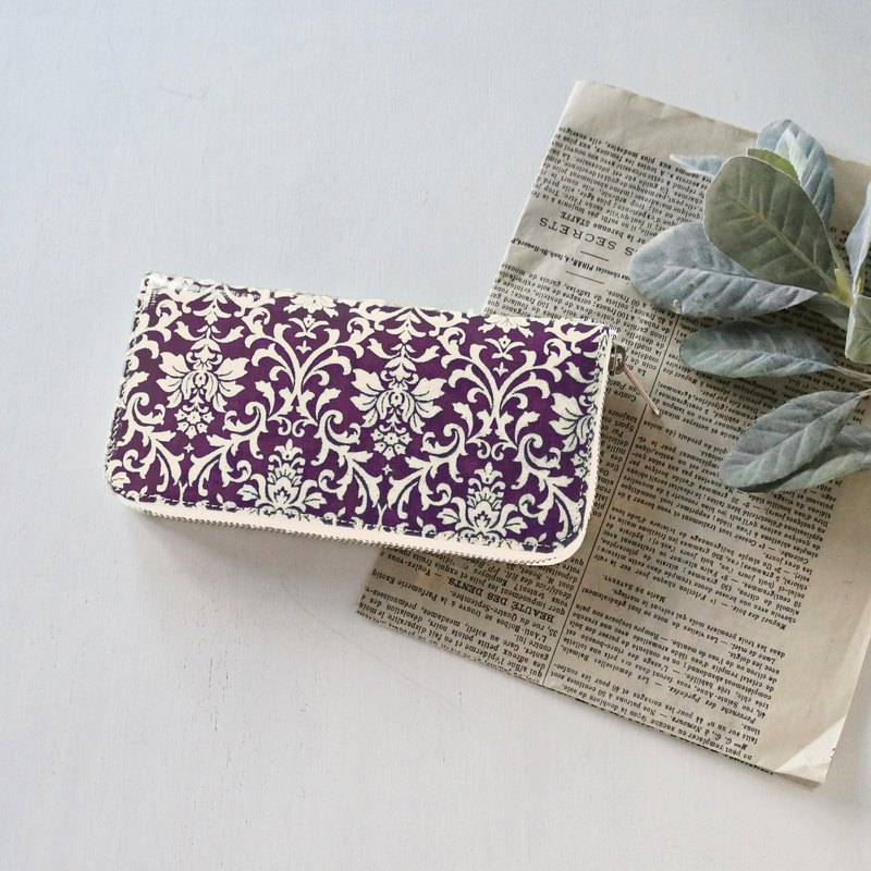 Northern Europe purple Round Zipper Long Wallet Damask