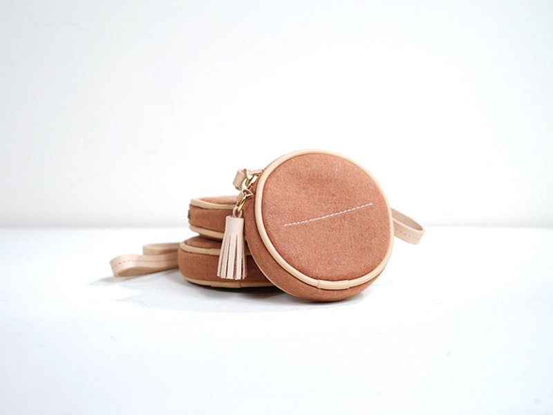 Leyang·Leyan-Effortless Chic Round Rolling Coin Purse / Headphone Storage Bag - Powdered Orange