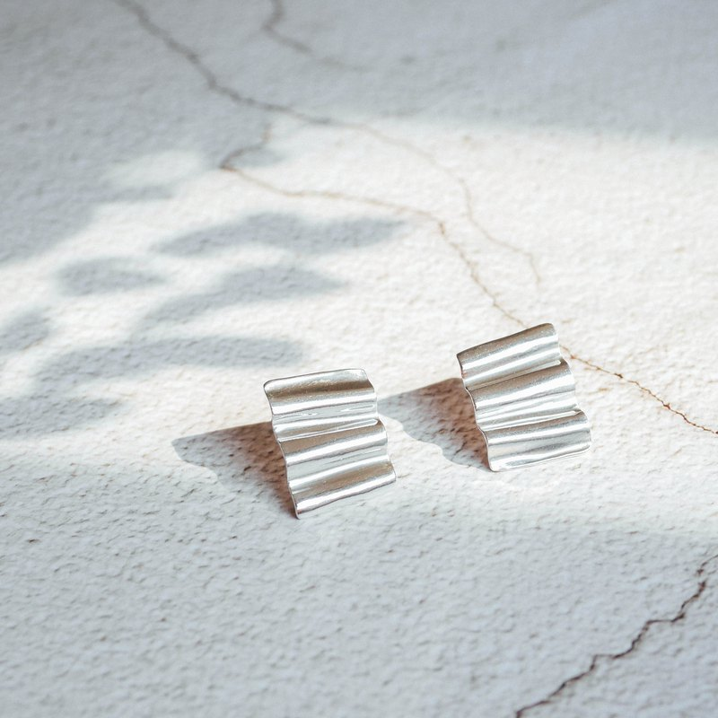 Corrugated Wave Earrings - Large
