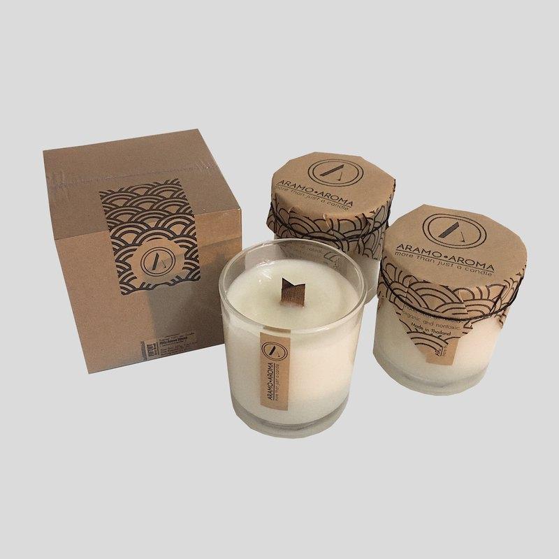 令人放鬆的芳香蠟燭,由100%天然製成。