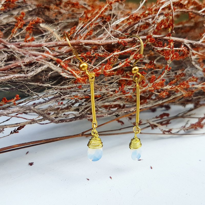 Copper hand made _ opal color _ drop shape artificial crystal pendant copper _ earrings a total of three colors